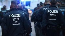 """Hausdurchsuchungen in Chemnitz: Polizei führt Einsatz bei """"Bürgerwehr"""" durch"""