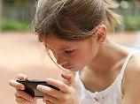Kurzsichtigkeit nur ein Problem: Besser keine Handys für Kinder