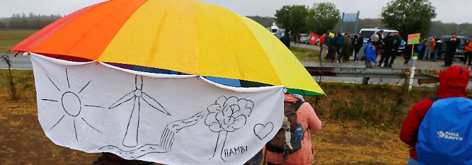 """""""Waldspaziergang"""" gegen Rodung: Tausende demonstrieren im Hambacher Forst"""