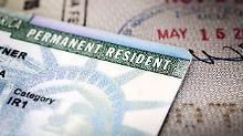 Durch eine Neuregelungen soll es schwieriger werden, eine dauerhafte Aufenthaltgenehmigung in den USA zu erhalten.