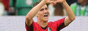 """""""Er hat gleich zum Einstand bei uns alles auf einmal abgeräumt."""" (Sportvorstand Jochen Saier vom SC Freiburg über Neuzugang Roland Sallai)"""