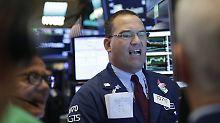 Politik verdirbt die Kauflaune: Zollstreit zieht die Wall Street nach unten