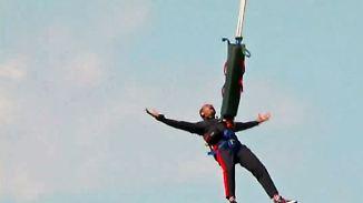 """""""Möchte nicht, dass mein Bein abreißt"""": Will Smith fällt zum 50. aus Helikopter"""