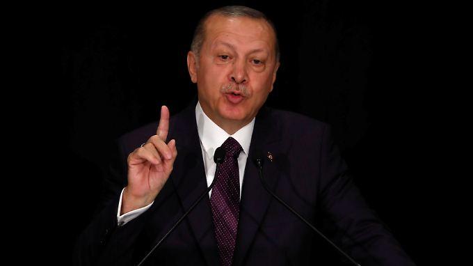 """""""Wichtigstes Ziel meines Deutschland-Besuchs ist es, die Phase der letzten Jahre in unserem Verhältnis komplett hinter uns zu lassen"""", sagte Erdogan vor seinem Staatsbesuch."""
