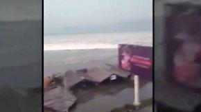 Aufprall der Welle mit Handy gefilmt: Tsunami überrollt indonesische Inselhauptstadt