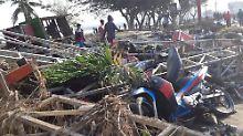 """""""Gott, steh mir bei"""": Tsunami verwüstet indonesische Stadt"""