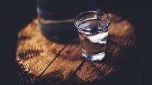 Illegale Händler im Iran: Alkohol vergiftet Dutzende Menschen