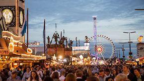 Oktoberfest zieht Halbzeitbilanz: Mehr Gäste, weniger Straftaten, eine tödlich endende Schlägerei
