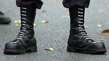 Bekannte Gewalttäter darunter: Hunderte Neonazis sind auf freiem Fuß