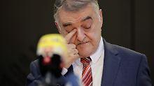 Syrer stirbt unschuldig in Haft: NRW-Innenminister gesteht Fehler ein