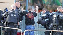 Verletzte Polizisten in Apolda: Nazi-Konzert nach Randale beendet