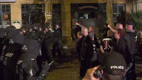 Rechte werfen Flaschen und Steine: Polizei beendet Nazi-Konzert nach Krawallen