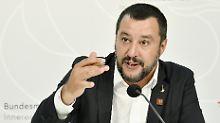 Keine Landungen in Italien: Salvini will Abschiebeflüge blockieren