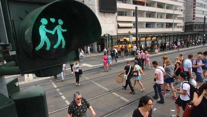Das Umweltbundesamt plant unter anderem kürzere Wartezeiten für Fußgänger an Ampeln.
