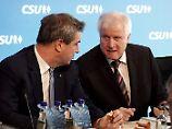 Die Arbeitsteilung bleibt bestehen. Söder regiert Bayern, Seehofer kümmert sich um Berlin.