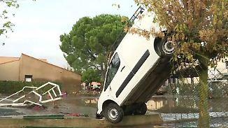 Autos hängen in Bäumen: Starke Regenfälle setzen Südfrankreich unter Wasser