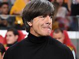 Ein Fußballwunder in Paris?: Löw in der Zwickmühle, DFB-Elf vor Abstieg