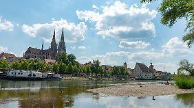 Versorgungsengpass in Binnenschifffahrt: Deutschland spürt trockene Flüsse an der Zapfsäule