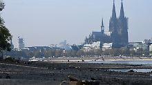 Tiefststände im Rhein: Trockenheit beschert neue Rekordwerte
