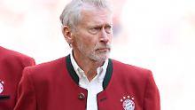 """Arroganz-Atmosphäre"" in München: Bayern-PK entsetzt Hoeneß-Kumpel Breitner"