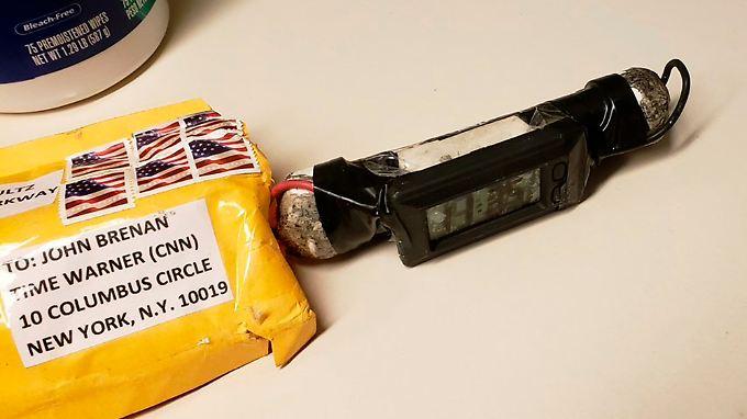 Ein Päckchen mit explosivem Inhalt ist an Ex-FBI-Chef John Brennan adressiert.