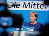 """AKK erste offizielle Kandidatin: Merkel """"kann auch gut mit Merz arbeiten"""""""
