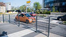 Entfernen kann die Stadt den Zebrastreifen nicht so einfach, denn er ist Bestandteil des neuen Verkehrskonzeptes, welches das Land Niedersachsen mit fast einer Million Euro gefördert hat.