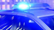 Unglück auf der A59: Mann aus Auto geschleudert und überfahren
