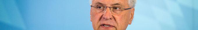 Der Tag: 12:47 Bayerns Innenminister fordert Abschiebungen nach Syrien
