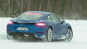 Roadtrip am Polarkreis: Tim Schrick jagt den Porsche 718 Cayman über Schnee und Eis