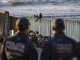 Regierung befürchtet Gewalt: Tausende Migranten erreichen US-Grenze