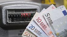 """""""Wir beobachten die Entwicklung"""": Versorger wollen Strompreise anheben"""