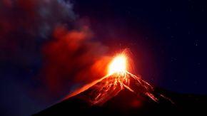 Über 1000 Meter hohe Aschesäule: Tausende Guatemalteken flüchten vor Vulkanausbruch