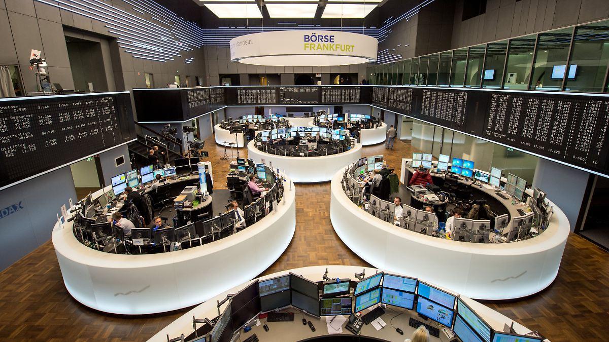 El día del mercado de valores el jueves 29 de noviembre de 2018.