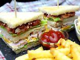 Die Frau am Grill: Chicken Club Sandwich - mal nicht im Hotel