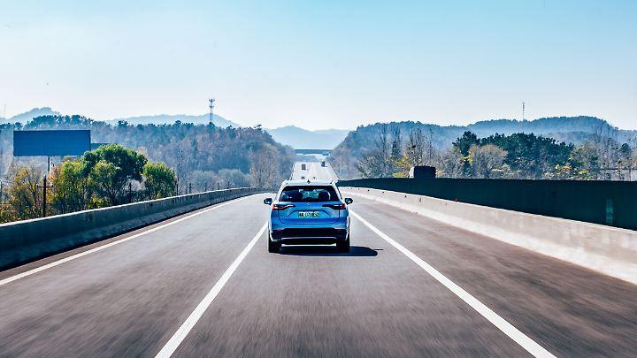 Wer entlang seiner Route die Akkuwechselstationen hat, der kann weit fahren. Bis zu 2285 Kilometer sind in China vorgesehen.