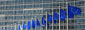 In Brüssel wollen die Finanzminister über Maßnahmen entscheiden, mit denen Europa künftig besser vor Finanzkrisen gewappnet ist.