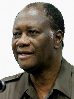 Ouattara hat - nach eigenen Angaben - ebenfalls den Amtseid abgelegt.