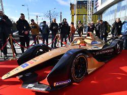 Neue Formel-E-Saison startet: Das Powerspektakel im Batmobil