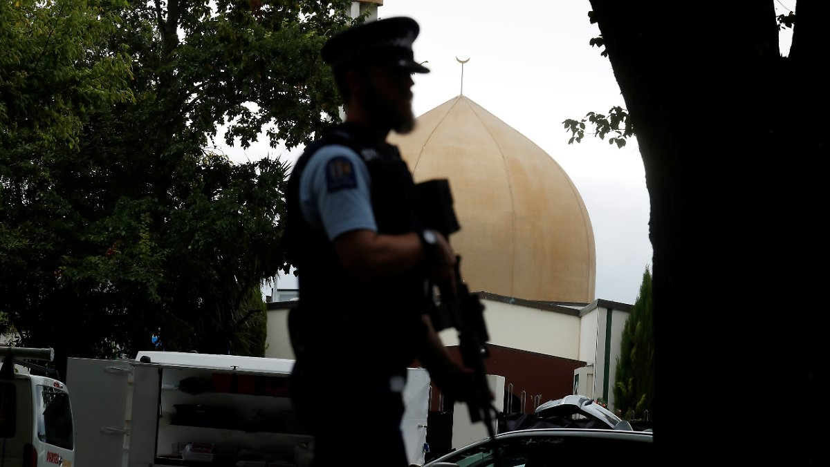 New Zealand Terror Attack Video Wallpaper: Terror In Neuseeland: Attentäter Feuert Auf