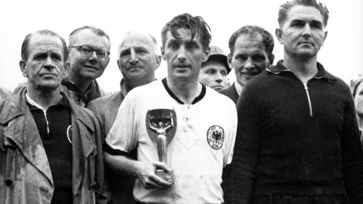 100 Geburtstag Von Fritz Walter So Viel Mehr Als Nur Eine Fussball Legende N Tv De
