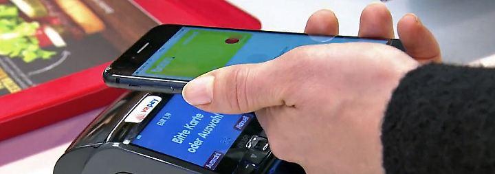 Sorge vor ausländischer Kontrolle: Bundesbank mahnt eigenes Smartphone-Bezahlsystem für Europa an