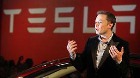 Übernahme durch Apple-Chef?: Musk warnt vor Tesla-Insolvenz