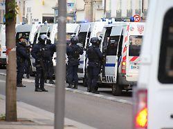 Ermittler fahnden mit Foto: Bombenleger von Lyon weiter auf der Flucht