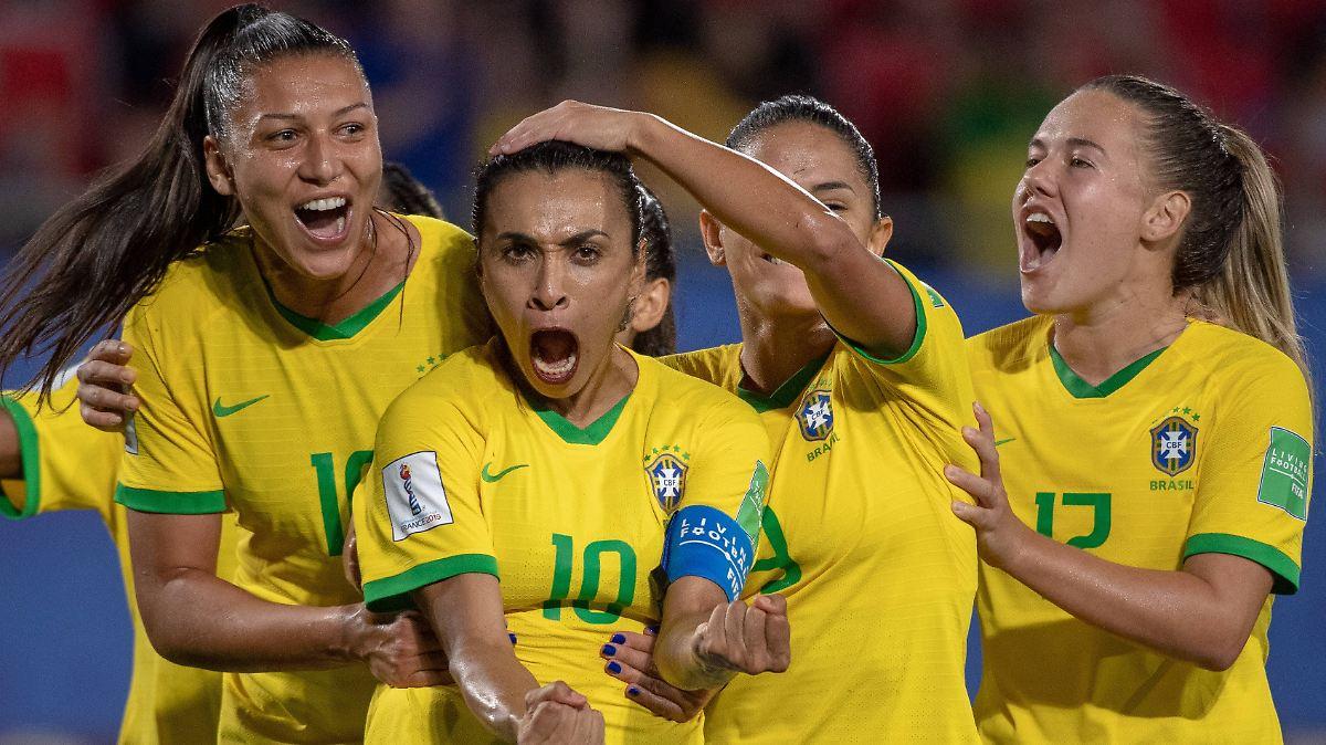 Marta knackt Rekord und witzelt über Klose