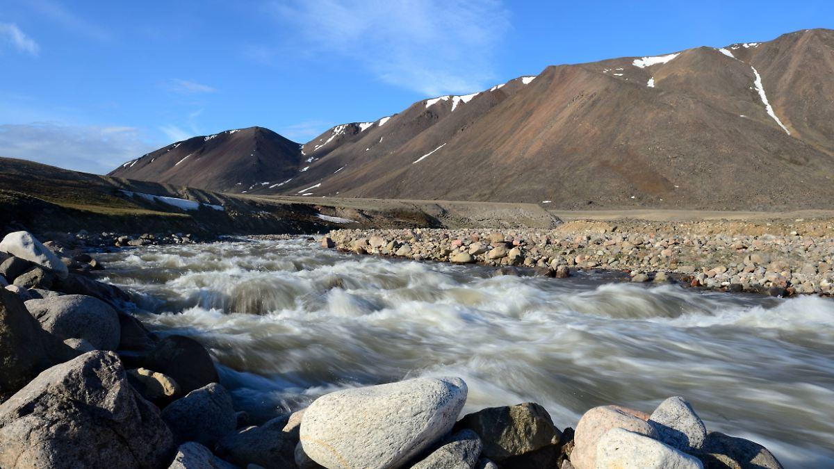 Schmelzende Gletscher nehmen CO2 auf