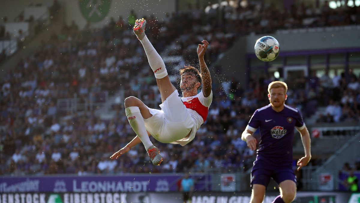 VfB verzweifelt in Aue und erobert die Spitze