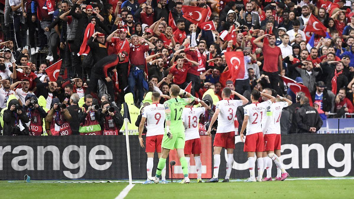 Türkei-Experten erklären den Salut-Jubel