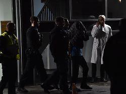 Polizei nimmt Verdächtigen fest: Ein Toter nach Messerattacke in Privatklinik