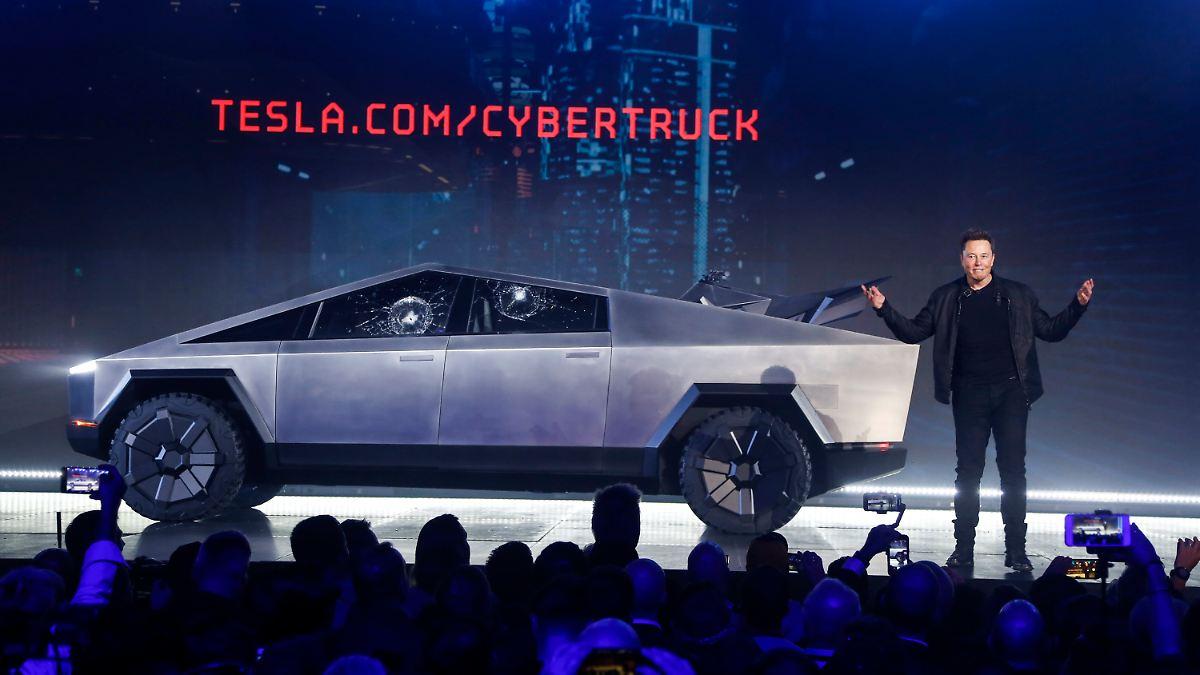 """Musk enthüllt futuristischen """"Cybertruck"""""""